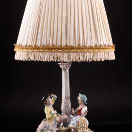 Дети с овечкой и птичьей клеткой, настольная лампа, Carl Thieme, Германия, нач. 20 в