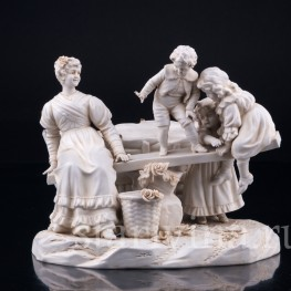 Мама с детишками на качелях, Muller & Co, Германия, нач. 20 в