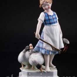 Девочка пасущая гусей, Ernst Bohne Sohne, Германия, 1920-30 гг